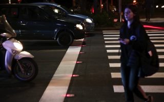 smart-pedestrian-crossing-inaugurated-in-central-athens