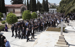 prominent-figures-pay-last-respects-to-angelos-delivorias