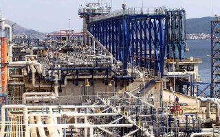 snam-led-consortium-said-to-offer-535-million-for-desfa-asked-to-improve-bid0