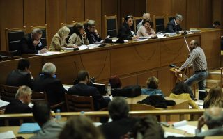 judge-calls-recess-in-golden-dawn-trial-during-scuffles