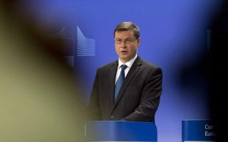 greek-2019-budget-compatible-with-stability-pact-says-dombrovskis0
