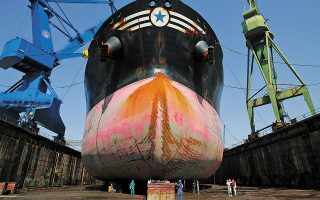 greece-launches-tender-to-sell-its-biggest-shipyard