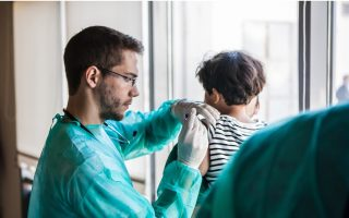 greek-doctors-continue-to-emigrate-in-large-numbers