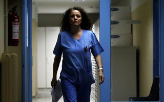 greek-hospital-doctors-protest-working-conditions