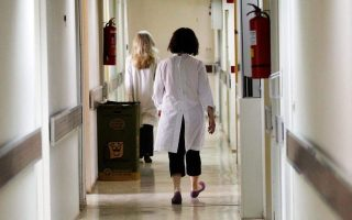 greek-doctors-to-walk-out-wednesday