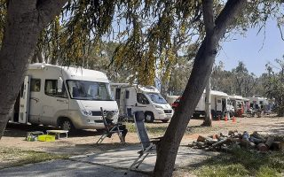 dozens-of-foreign-tourists-on-lockdown-at-campsite-in-drepano-northern-greece