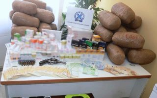 police-bust-cocaine-and-cannabis-dealing-gang