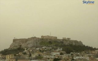 athens-cloaked-under-saharan-dust