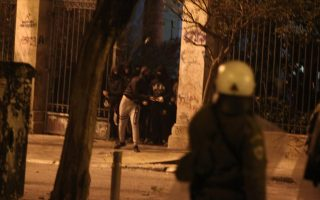 police-attacked-in-exarchia