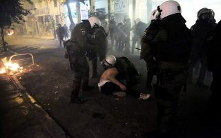 greek-police-to-probe-claims-of-violence-against-protesters