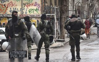 four-arrested-in-new-police-sweep-in-exarchia-squat0