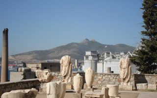 striking-museum-workers-shut-down-archaeological-sites