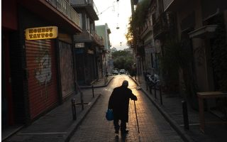the-empty-streets-of-athens