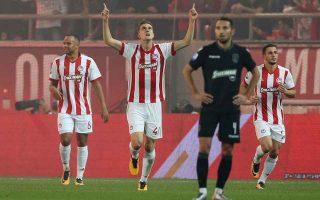 triumph-for-olympiakos-over-leader-paok