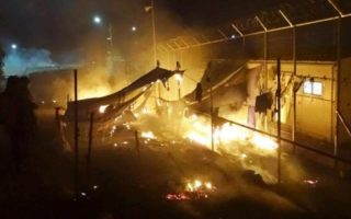 eight-police-officers-injured-during-in-clashes-at-lesvos-refugee-camp