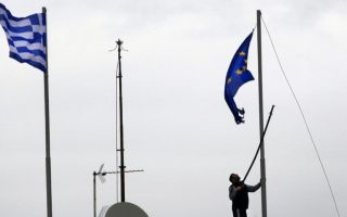 reuters-poll-greece-fast-approaching-euro-exit0