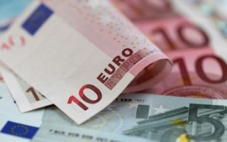 greece-sells-6-month-t-bills-yield-drops-to-2-30-pct