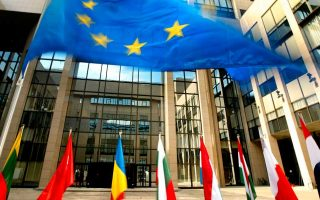 brussels-forecasts-greek-recession-at-9-in-2020