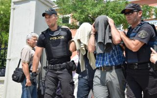 greek-court-rules-to-extradite-three-of-eight-turkish-servicemen