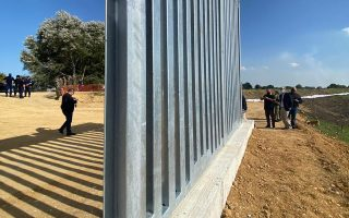 new-evros-fence-to-be-completed-by-april-next-year-pm-says-during-on-site-inspection