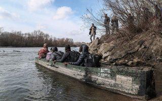 thousands-of-migrants-rush-to-cross-greek-turkish-border