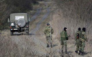 greek-forces-use-tear-gas-to-stop-migrants-at-border-navy-ship-docks-at-lesvos-upd