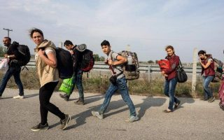 un-agency-makes-urgent-appeal-to-greece-over-migrant-centers