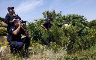 three-migrant-traffickers-arrested-near-turkish-border