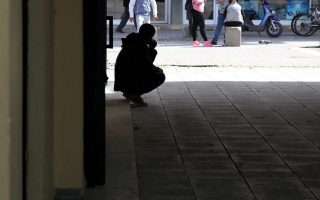 one-in-three-greeks-live-in-poverty-or-social-exclusion-eurostat-shows0