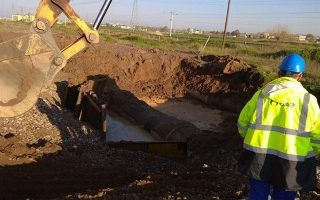 iraklio-areas-suffer-water-cuts-due-to-pipe-damage
