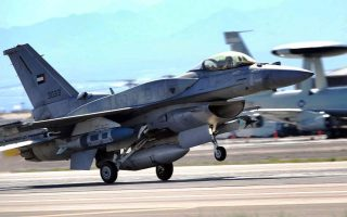 four-emirati-f-16s-to-arrive-in-souda-air-base