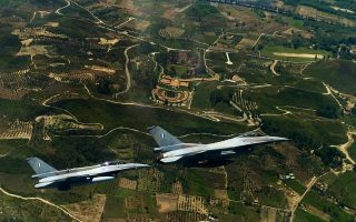 turkish-f-16s-fly-over-greek-islets