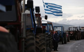 farmers-plow-through-tsipras-offer-to-hold-talks