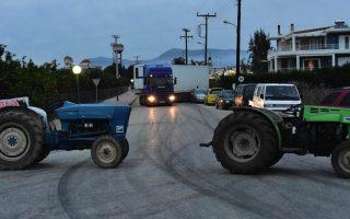 farmers-splits-grow-but-blocks-remain-in-place