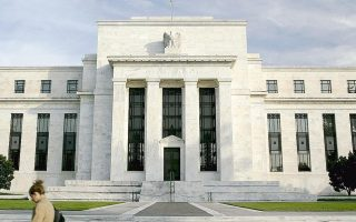 us-uk-growth-in-focus-as-greece-crisis-pauses
