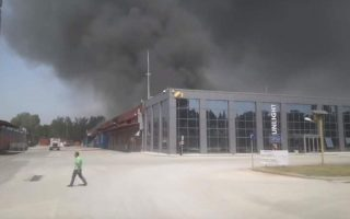 firefighters-battling-19-wildfires-across-greece