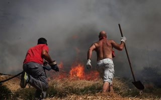 blazes-on-more-than-50-fronts-test-firefighters