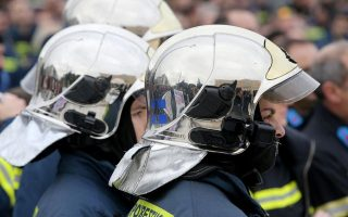 firefighters-hold-rally-in-athens