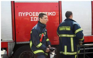firefighters-recover-man-amp-8217-s-body-in-thessaloniki-blaze