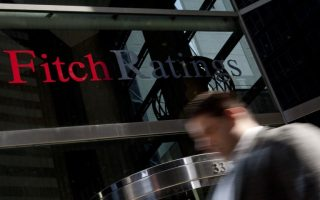 fitch-warns-no-dramatically-raises-grexit-risk