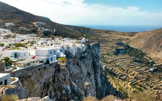 campaign-launched-to-develop-hiking-tourism-on-folegandros