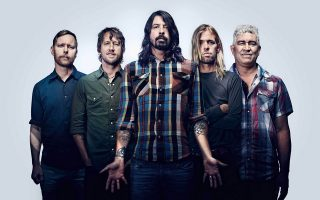 foo-fighters-debut-new-song-at-athens-show-video