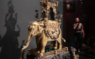chinese-emperor-s-possessions-on-display-in-athens