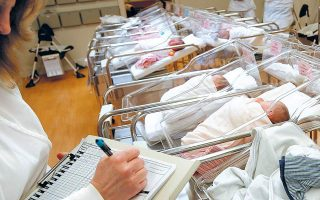 greece-hit-by-low-birth-rate-negative-net-migration-rate