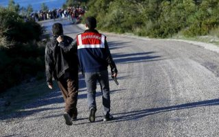 smugglers-made-5-6-billion-dollars-off-migrants-to-europe-in-2015-interpol-says