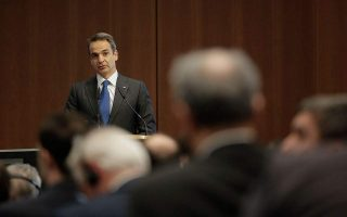 mitsotakis-calls-on-turkey-to-remove-migrants-stuck-in-buffer-zone
