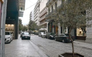 thousands-of-abandoned-vehicles-removed-from-athens-center0