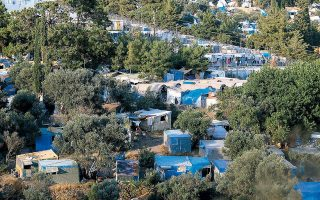 migrants-to-be-moved-out-of-island-camps-in-groups