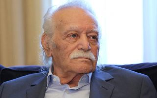 greek-president-offers-condolences-over-death-of-glezos