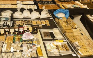 eight-remanded-in-custody-for-gold-smuggling-case